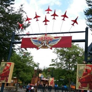 freizeitpark holiday park airshow 71 sky scream sky fly attraktionen themenbereich
